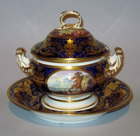 DERBY PORCELAIN TUREEN COVER & STAND. CIRCA 1815. - Click to enlarge and for full details.