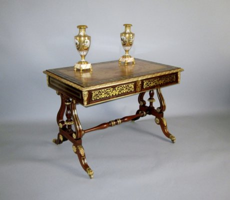 AN IMPORTANT REGENCY PERIOD WRITING TABLE. ATTRIBUTED TO LOUIS LE GAIGNEUR. - Click to enlarge and for full details.