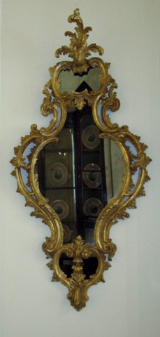 MID 18th CENTURY GILTWOOD MIRROR - Click to enlarge and for full details.