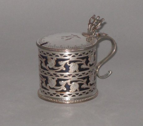 OLD SHEFFIELD PLATE SILVER MUSTARD POT, CIRCA 1770. - Click to enlarge and for full details.
