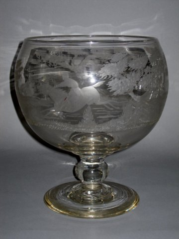 A FINE EARLY 19TH CENTURY LARGE GLASS GOBLET - Click to enlarge and for full details.