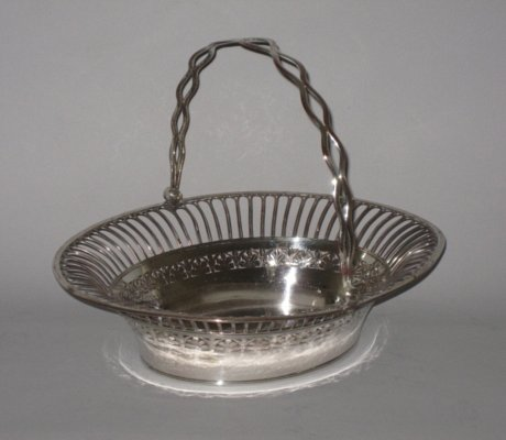 OLD SHEFFIELD PLATE SILVER BASKET. CIRCA 1785 - Click to enlarge and for full details.