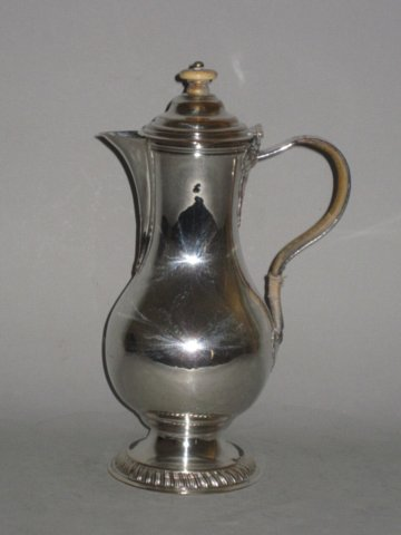 OLD SHEFFIELD PLATE SILVER HOT WATER JUG, BY HENRY TUDOR & CO. CIRCA 1765 - Click to enlarge and for full details.
